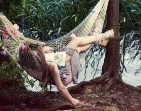 Що почитати, лежачи на сонечку: 10 ідеальних книг для відпустки фото