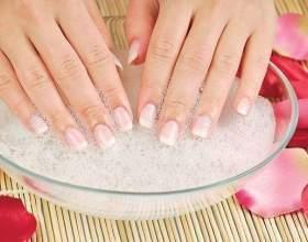 18 Чудових ванночок для зміцнення нігтів: фото