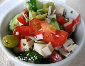 Салат з крабовими паличками (дієтичний) фото