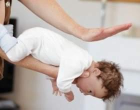Якщо дитина подавився, він може померти. Запам`ятай дії в небезпечній ситуації! фото