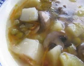 Грибний суп з консервації горошком фото
