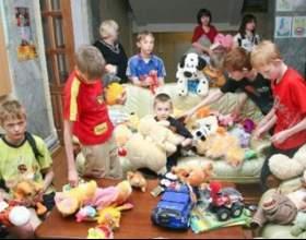 Як допомогти дитячому будинку? фото