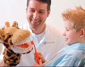 Як правильно познайомити дитину зі стоматологом? фото