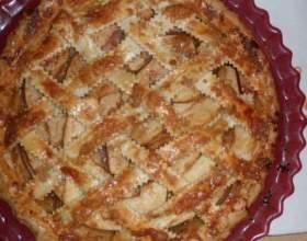 Як приготувати яблучний круглий пиріг фото