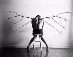 Як почути крик про допомогу: 8 ознак людини з прихованою депресією фото