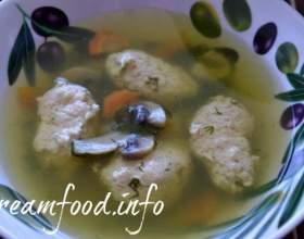 Курячий суп з кнелями фото