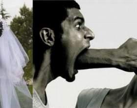 Чоловік б`є жінку: сірі будні однієї гарної пари фото