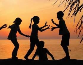 Важкі відносини: діти і батьки фото