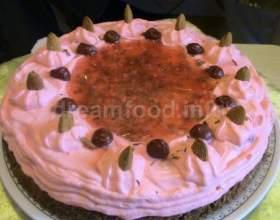 Горіховий пиріг з вишнею та лікером фото