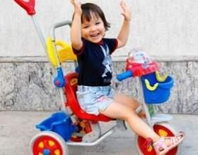 Перший велосипед для дитини. Який він повинен бути? фото