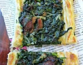 Пиріг з листкового тіста зі шпинатом і петрушкою фото