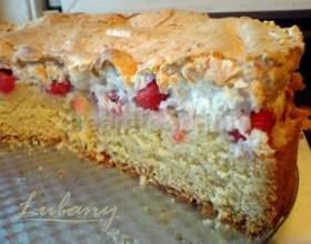 Пиріг з вишнею фото