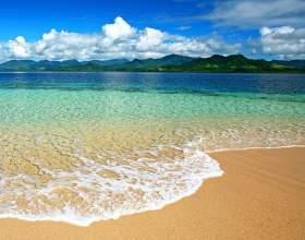 Чому вода в морі солона? фото