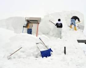 Наслідки снігопадів в альпах 2012 (фото) фото
