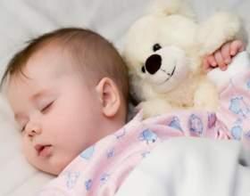 Дитина, оточений любов`ю - вчиться любити і дарувати любов фото