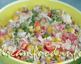 Салат з тунцем і рисом фото