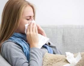 Ru: сильний нежить, сильно голова болить (просто і при сякання особливо), кашель фото