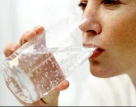 Скільки пити води годуючим мамам? фото
