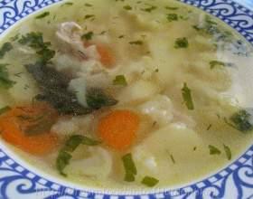 Суп з курячою грудкою і цвітною капустою фото