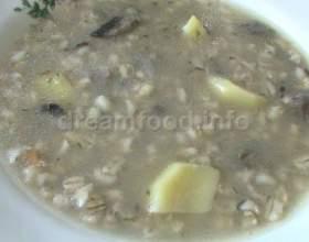 Суп з перловою крупою і грибами фото
